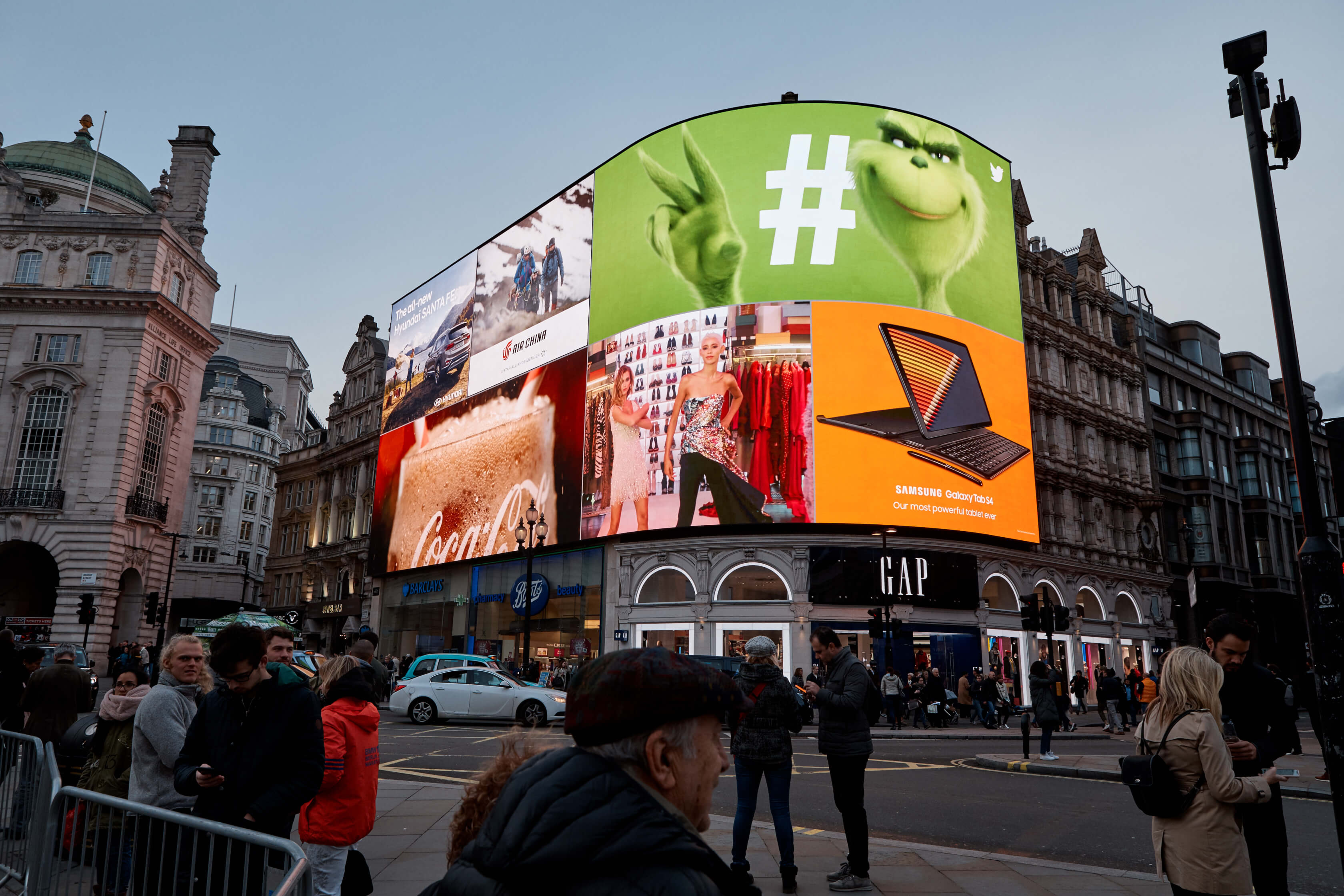 02_20181029_Twitter_Piccadilly_Lights_1633