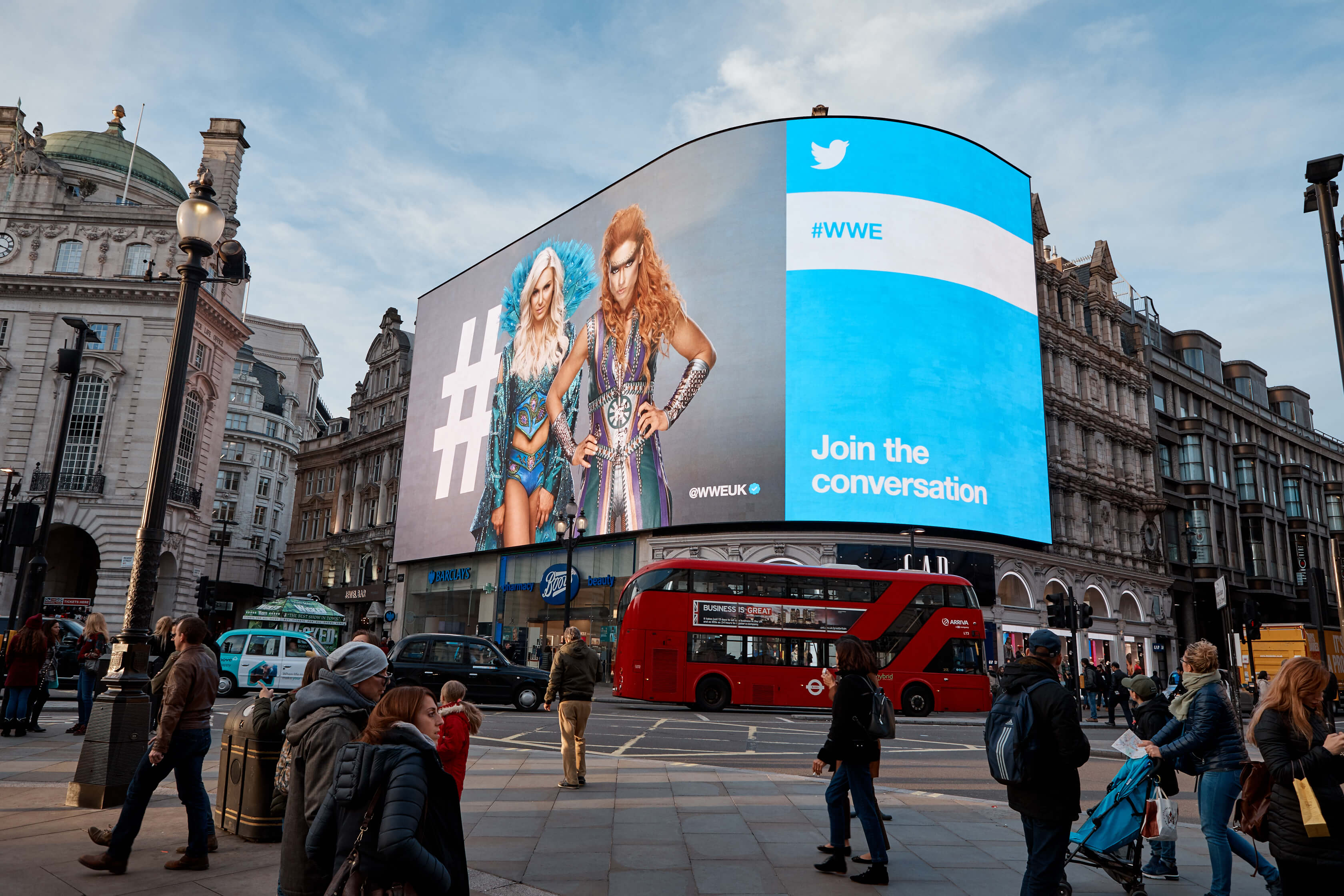 20181029_Twitter_Piccadilly_Lights_1553