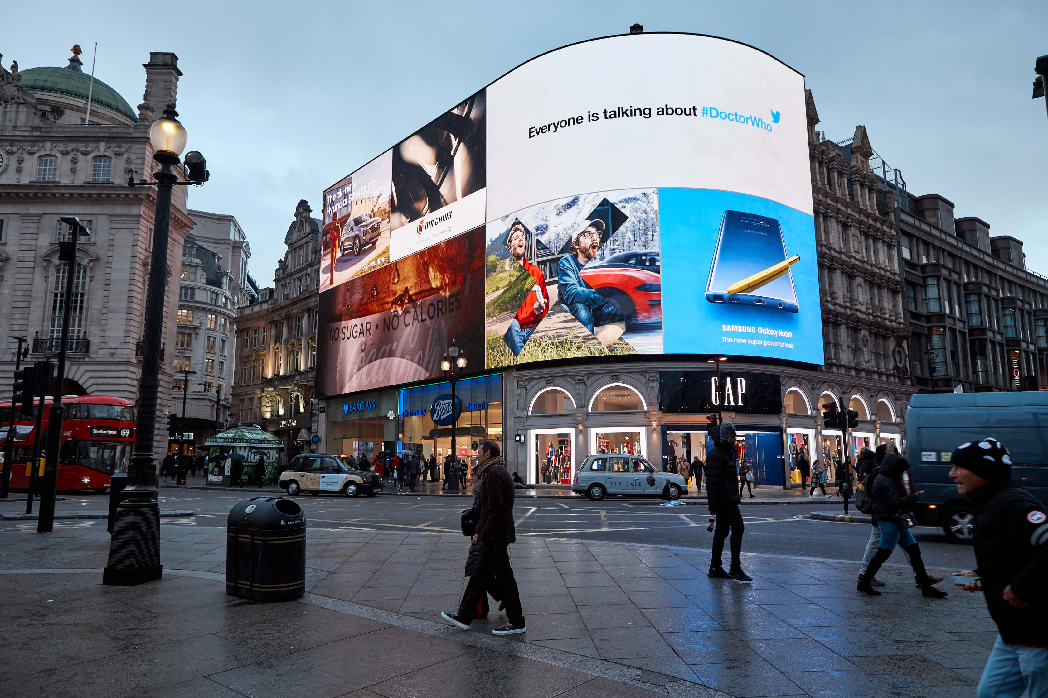 20181029_Twitter_Piccadilly_Lights_1876